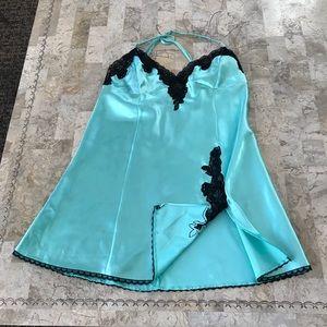 Fredericks of Hollywood mint green gown medium